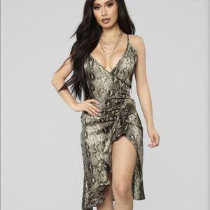 Fashion nova green snake print dress